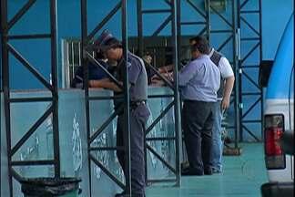 Polícia Civil e Militar visitam estabelecimentos de peças de veículos em Itaquaquecetuba - O objetivo é impedir o comércio ilegal destes produtos.