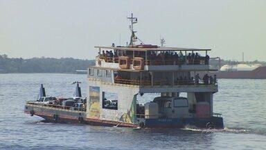 Porto da Ceasa teve longa espera por balsa, em Manaus - Moradores da capital aproveitam feriado prolongado para visitar municípios do interior.