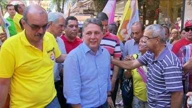 Anthony Garotinho faz campanha em Campo Grande - O candidato ao governo do Rio prometeu investir em habitação usando os recursos do estado.