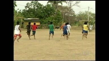 Índios da Aldeia Canoanã celebram a independência do Brasil - Muitos índios da Aldeia Canoanã, em Tocantins aproveitaram o feriado de Independência do Brasil para fazer disputas esportivas durante festa.