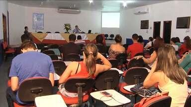 Estudantes da Uema participaram de um simpósio de biologia - Estudantes da Uema participaram de um simpósio de biologia. A importância da pesquisa acadêmica e a biodiversidade foram os principais temas discutidos.