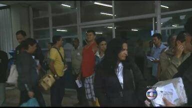 Funcionários do hospital Getúlio Vargas fazem paralisação a partir desta segunda - Eles reclamam da estrutura do hospital. Na semana passada, o bloco cirúrgico chegou a ser interditado depois que parte do forro do teto desabou.