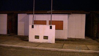 Casas populares são concedidas a famílias de periferia de Aracaju - Famílias residentes em barracos na invasão Vitória da Resistência recebem casas populares no Bairro Lamarão, Zona Norte de Aracaju. Mais de 400 famílias foram contempladas.