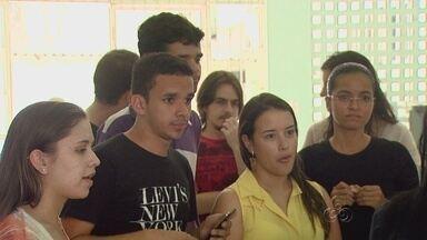 Alunos do curso de medicina da Ufam reclamam da falta de segurança na universidade - Medo aumentou após 3 sequestros relâmpago terem sido registrados nas últimas semanas.