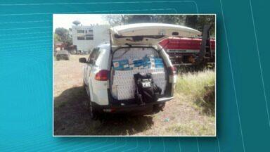Motorista foge da polícia e acaba batendo em caminhão - O rapaz foi preso em flagrante porque o veículo que diria estava abarrotado de cigarro. A apreensão foi na BR-163, em Capitão Leônidas Marques