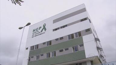 Incêndio em tubulação do Hospital do Câncer deixa três funcionárias feridas - Assustadas com as chamas, elas pularam pela janela.
