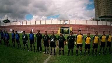 Em comemoração ao dia do árbitro, Globo Esporte promove uma partida s com juízes - Árbitros disputaram jogo e experimentaram um dia de jogador