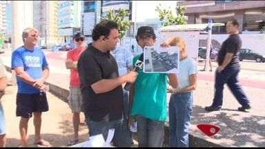 Moradores reclamam de segurança e do trânsito em bairro de Vila Velha, no ES - Eles também dizem que falta ônibus circulando pelo bairro Praia da Costa. Urna do ESTV esteve no local para ouvir os moradores.