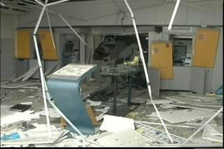 Bandidos explodem seis caixas eletrônicos no interior do estado - Ações foram registradas em quatro cidades.
