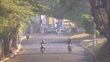 Veja como está o trânsito na Avenida Caramuru com a João Fiúsa - Fluxo começa a aumentar nos dois sentidos e é importante ficar atento à sinalização.