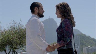 Império - Capítulo de quarta-feira, dia 17/09/2014, na íntegra - Fernando vê Cristina e Vicente se beijando