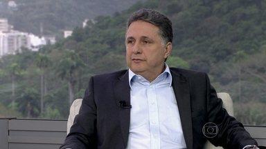 Anthony Garotinho dá entrevista ao RJTV - 1ª Edição - O candidato do PR ao governo fluminense foi entrevistado ao vivo, no estúdio do RJTV, por Mariana Gross.