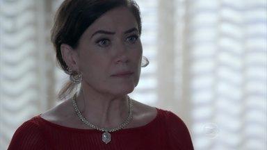 Maria Marta descobre que Zé Alfredo não está em casa - Furiosa, ela acaba discutindo com Maria Clara e Danielle. Marta decide ir atrás do marido na casa de Isis
