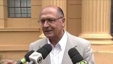 Geraldo Alckmin participa de fórum de agronegócios - O candidato do PSDB ainda visitou um instituto agronômico.