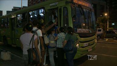 Após paralisação, ônibus voltam a circular em São Luís - Não está descartada uma nova paralisação nesta quarta-feira (24). Rodoviários recolheram os ônibus às 18h dessa terça (23).