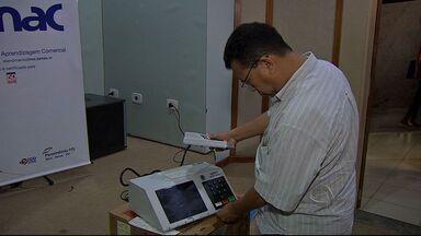 Mesários se preparam para as eleições em Campo Grande - Em MS mais de 20 mil mesários voluntários vão trabalhar no dia 5 de outubro