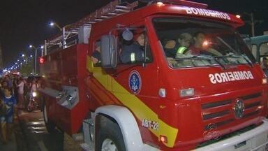 Princípio de incêndio causa tumulto em faculdade particular de Manaus - Sete alunos foram atendidos pelo Samu por inalação de fumaça.Após curto-circuito, direção acredita até em boicote de faculdades rivais.