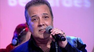 José Augusto canta 'Aguenta Coração' - Cantor embala trilha sonora em dia romântico no Encontro