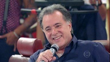 'Eu sou muito bem resolvido com isso', diz Tony Ramos sobre ser cabeludo - Esquenta! relembra vídeo do 'Casseta e Planeta' trolando o ator