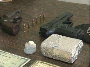Duas pessoas foram detidas por tráfico de drogas - Prisão em flagrante aconteceu no Barro Duro, em Pelotas