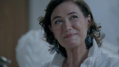 Império - Capítulo de segunda-feira, dia 29/09/2014,na íntegra - Marta chega à casa de Isis e se convida para almoçar com a família dela
