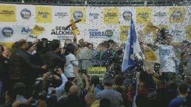 Governador Geraldo Alckmin (PSDB) é reeleito com 57% dos votos em São Paulo - Candidato tucano venceu eleições no primeiro turno com 57% dos votos válidos. A votação de Alckmin foi expressiva em todo o estado.