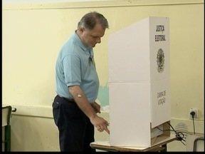 Candidatos também compareceram às urnas neste domingo - SPTV acompanhou políticos durante a votação.