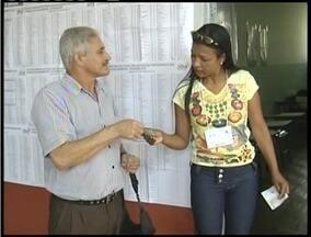 Eleições em Caratinga mobilizam mais de 126 mil pessoas - Eleitores relataram dificuldade em encontrar seções eleitorais.