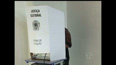 Em Alenquer, eleitores formaram grandes filas no dia da votação - Policia foi chamada para apurar alguns problemas, mas nada que atrapalhasse a eleição.