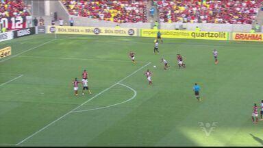 Santos vence Flamengo por 1 a 0 no Maracanã, no Rio de Janeiro - Peixe venceu as duas últimas partidas disputadas em território carioca. Atuação de Robinho no jogo contra o Flamengo merece destaque.