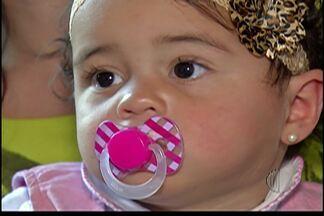 Filha que teve problemas com a gastrósquise passa bem após um ano em Biritiba Mirim - O caso da família aconteceu há um ano.