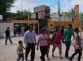 Sistema biométrico causa espera para eleitores de Serra Talhada - Urnas chegaram à noite no fórum do município.