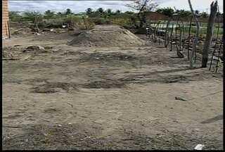 Home foi encontrado morto no Núcleo sete do Projeto de Irrigação Senador Nilo Coelho - Segundo moradores, o homem estava bastante ferido com marcas de faca.