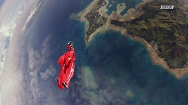 Wingsuit Vs R8
