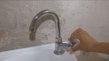 Bairros de Campinas sofrem com a falta de água neste fim de semana - De acordo com as informações da Sanasa, o problema começou na noite de sexta-feira (10), quando foi necessário reduzir a captação de água do Rio Atibaia.