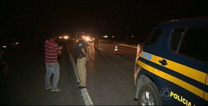 Pedestre morre atropelado na BR 230 em Santa Rita, na Paraíba - Segundo informações da PRF, a vítima estaria alcoolizada.