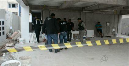 Homem é encontrado morto dentro de prédio em construção, em João Pessoa - A vítima ainda não foi identificada.