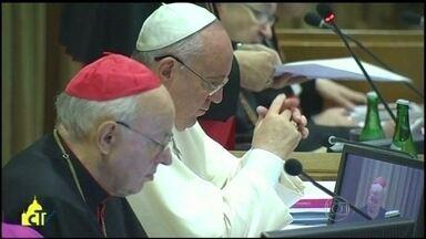 Vaticano divulga versão final do documento do Sínodo - A reunião juntou quase 200 bispos católicos de todo o mundo. Segundo o textos, homossexuais devem ser acolhidos com respeito.