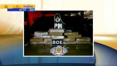 Homem é preso com mais de 15kg escondidos dentro de carro - A polícia chegou até o traficante por meio de uma denúncia.