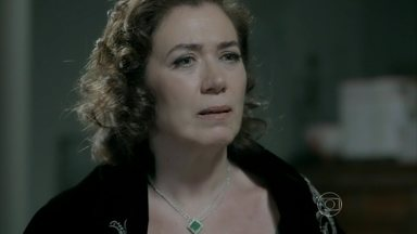 Marta relembra primeiro casamento e deixa Silviano arrasado - Mordomo revela a patroa que compareceu ao casamento dela com Zé Alfredo