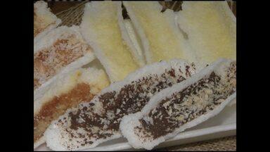 Vitória da Conquista é destaque na produção de derivados da mandioca - Biscoitos, bolos e beijus de vários sabores são alguns exemplos. A produção poderia ser maior se não fosse a seca, que interferiu na safra da mandioca.