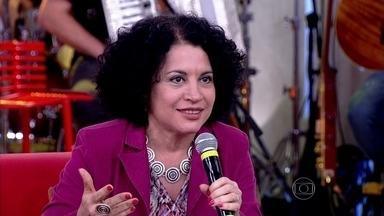 Viviane Mosé: 'Me incomoda a invisibilidade' - Especialista comenta como é importante acabar com esse problema na sociedade