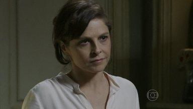 Cora torce para que Cristina tenha decidido procurar Zé Alfredo - A jovem fica intrigada quando Josué avisa que o Comendador está resolvendo um problema de família