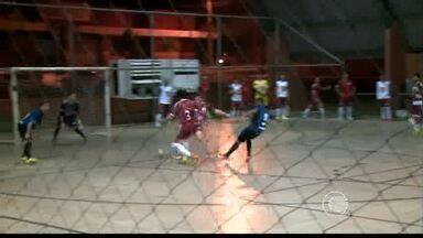 Futsal: Ajax e Tabajaras empatam e técnicos reclamam - Futsal: Ajax e Tabajaras empatam e técnicos reclamam