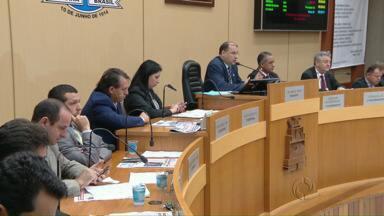 Câmara de Foz engaveta projeto para o aumento do número de vereadores - A proposta previa o aumento de 15 para 21 o número de cadeiras.