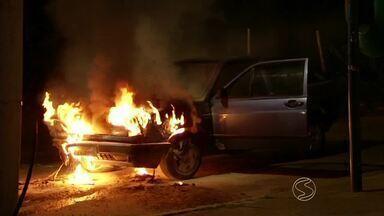 Três Rios, RJ, registra mais de 30 ocorrências de fogo em veículo em 2014 - Foram cinco apenas no mês de outubro, segundo o Corpo de Bombeiros; maioria dos casos está ligada à falta de manutenção preventiva.