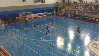 Orlândia enfrenta o Guarapuava nas quartas de final da Liga Futsal - Na quinta-feira (30), o time jogou já classificado e empatou com o Umuarama.