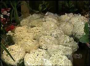 Vendas de flores e velas impulsiona o mercado no Dia dos Finados - Vendas de flores e velas impulsiona o mercado no Dia dos Finados