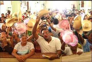 Missa do Chapéu marca o fim da romaria de finados, em Juazeiro do Norte - Romaria reuniu cerca de 500 mil fiéis vindos de todas as partes do nordeste.