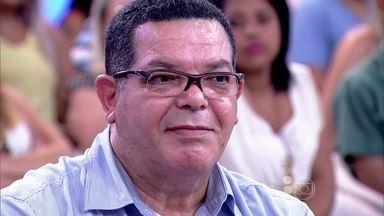 Carlos demorou a procurar um urologista por machismo - Ele foi diagnosticado com câncer de próstata há 6 anos